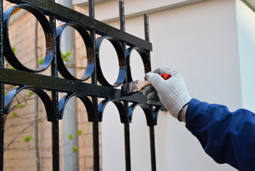 painting iron fence